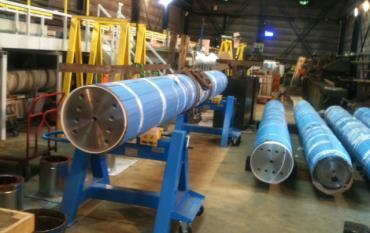 Nickelage-chromage de vérins hydrauliques de grandes dimensions destinés au secteur pétrolier.JPG